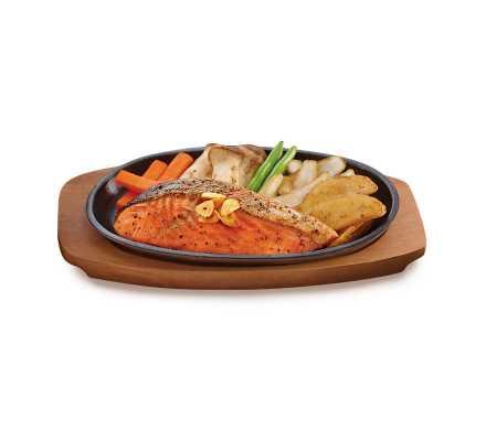 สเต๊กปลาแซลมอนกระทะร้อน(อาหารจานเดียว)